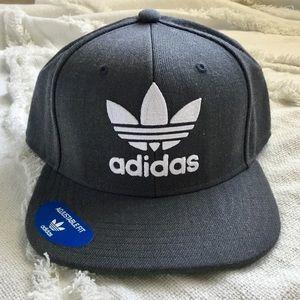 NWT Adidas Originals Trefoil Chain SnapBack Hat